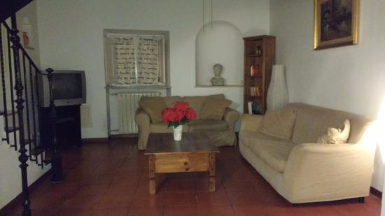 Calisto 6 Bed & Breakfast: sala compartilhada