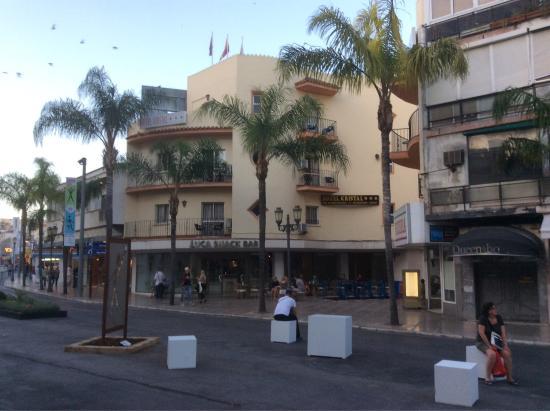 Hotel kristal prices reviews torremolinos spain for Hotel kristal torremolinos piscina