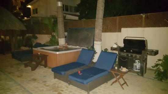 Aruba Sunset Beach Studios: 20160529_200305_large.jpg