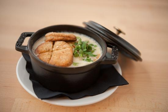 Beal House Inn: Clam Chowder with housemade crackers