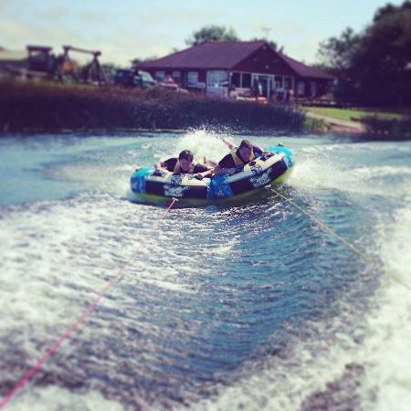 Brandesburton, UK: Billabong Watersports & Caravan Park