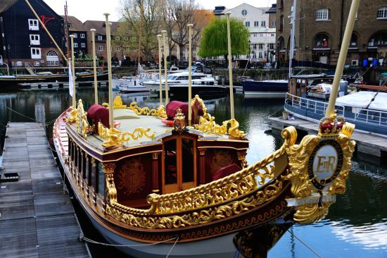 St. Katharine Docks: The Queen's Diamond Jubilee Barge