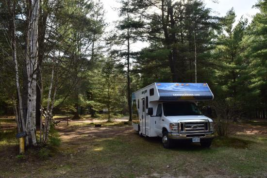 ‪‪Algonquin Trails Camping Resort‬: RV parking area‬