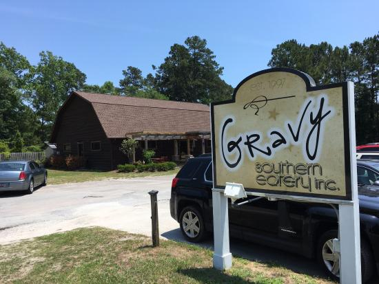 Sunset Beach, Kuzey Carolina: Entrance to Gravy Southern Eatery in Calabash, NC