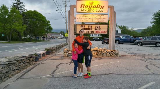 Royalty Inn: 0529162000_HDR_large.jpg