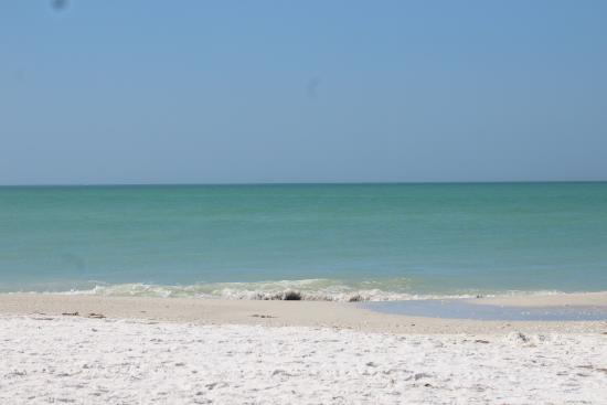 Anna Maria Pirates Den: Bean Point Beach- end of Anna Maria Island