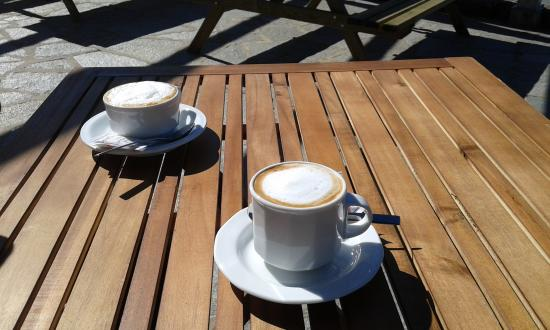 Colonno, Italien: cappuccino