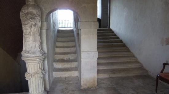 Saint-Loup-Lamaire, Frankrike: Château de St Loup : superbe escalier