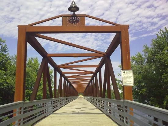 Inver Grove Heights, MN: Walkway of the bridge.