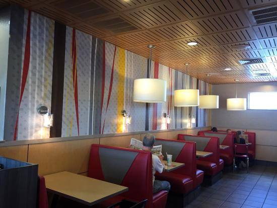 Little Chute, WI: McDonald's