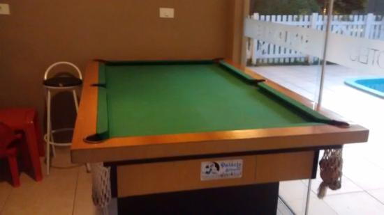 Jaguariaiva, PR: O hotel dispõe de mesa de bilhar para laser dos hospedes.
