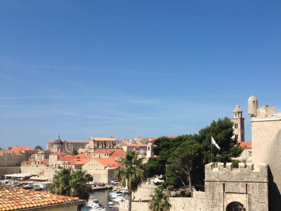 Dubrovnik Bed and Breakfast : View from balcony of harbour