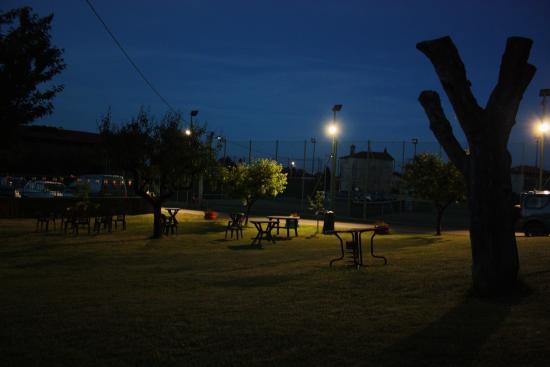 Foto de trattoria tennis di cerrione cerrione illuminazione