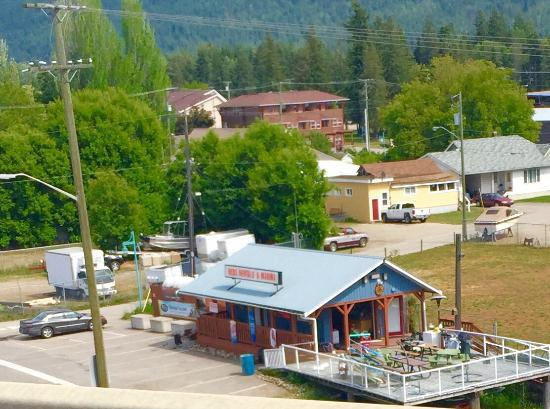 Sicamous, Canadá: Reds Rentals