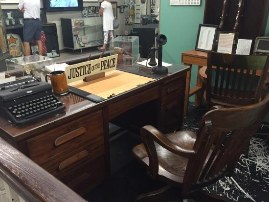 Photo0 Jpg Picture Of The Andy Griffith Museum Mount