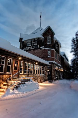 Deer Lodge Updated 2018 Prices Hotel Reviews Lake Louise Alberta Tripadvisor