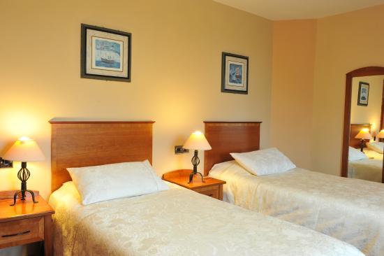 Fitzgerald's Hotel: Twin Room