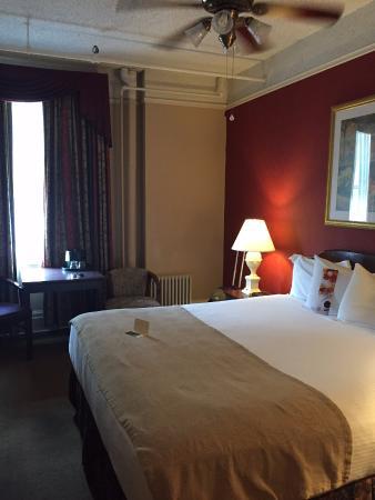 Hotel Colorado: Room from door entry
