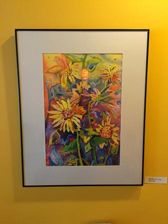 Grosse Pointe Woods, MI: Art on the walls features monthly artists and is for sale