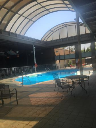 Newark, NY: We can get a sun tan at the indoor pool with a retractable roof