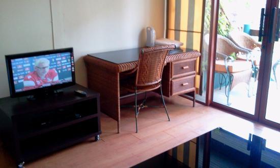 Greenhouse Samui Apartments: Seating area