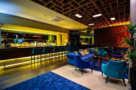 Moon Restaurante & Cocktail Lounge: Cocktail Lounge