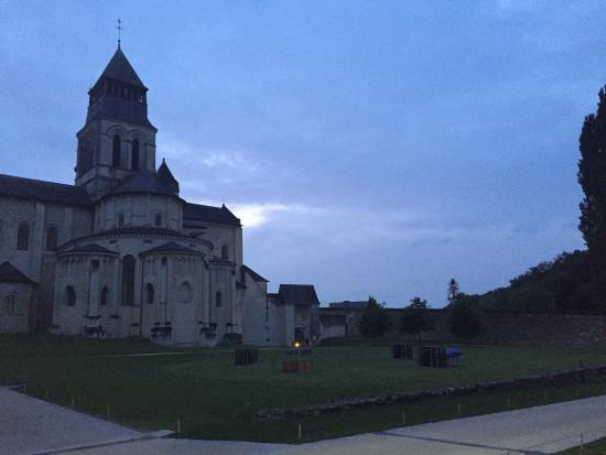 Fontevraud-l'Abbaye, Francia: photo2.jpg