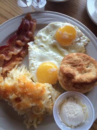 Waynesville, North Carolina: cooked to order breakfast comes with the room.