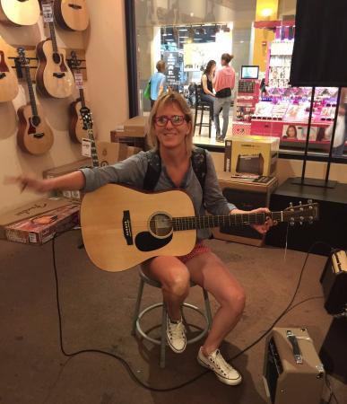 """Sam Ash Music Stores: Finalmente, comprei o meu """"Martin """" !!!!!"""