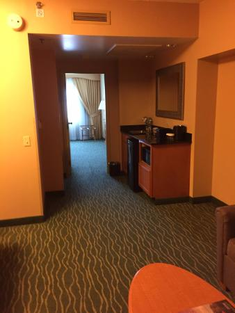 Embassy Suites by Hilton Hotel Monterey Bay - Seaside: Spacious