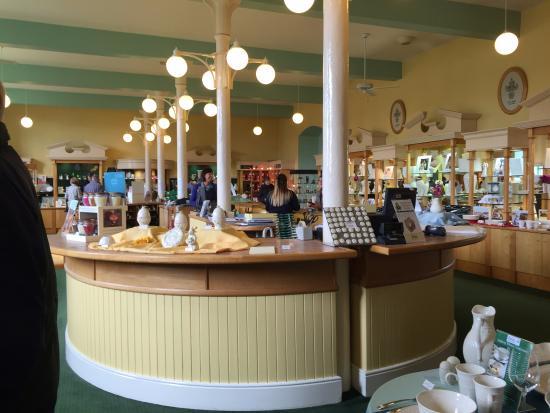 Belleek, UK: Inside the shop