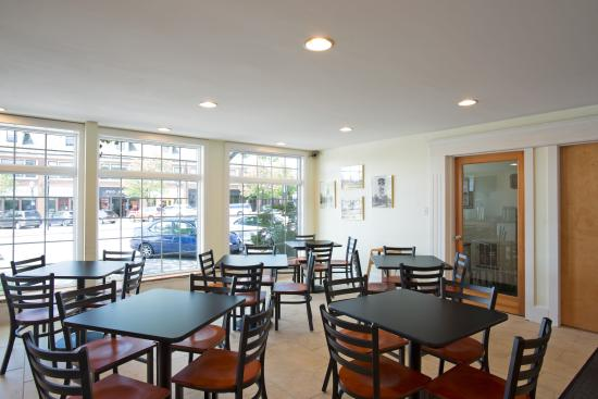 Days Inn Dover: Breakfast area