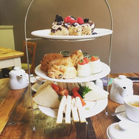 Olive and Bean : Lovely afternoon tea!