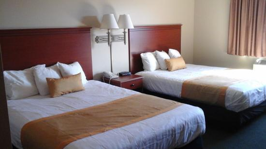 Ladysmith Motel and Suites : ROOM