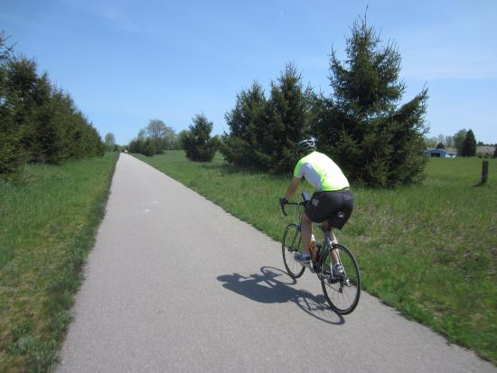 Traverse Area Recreation and Transportation Trails: Riding north on the Leelanau Trail.