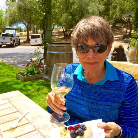 Still Waters Vineyards: Picnic and delicious Wine