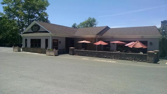 Rode's Fireside Restaurant: Not many others there on Sunday @ 2pm (before Memorial Day)
