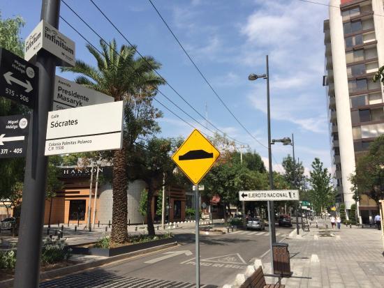 Avenida Presidente Masaryk: Nice street to walk and shopping