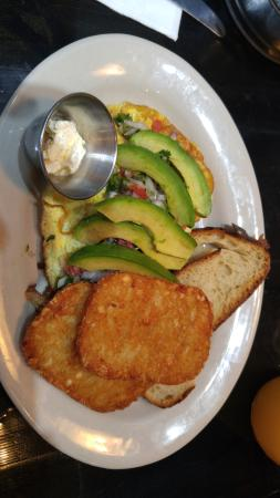 Morristown, NJ: Avocado Omelette
