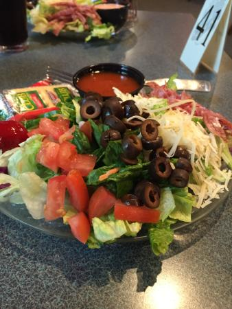 Second Avenue Pizza: Garden Fresh Salad with French Dressing