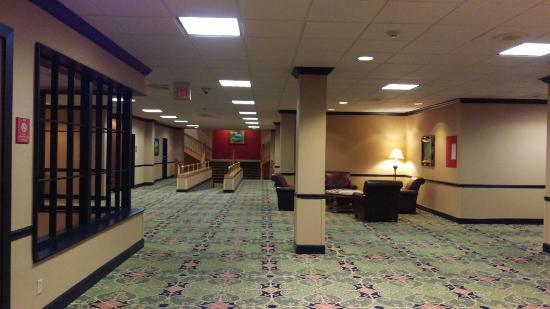 Whispering Woods Hotel & Conference Center: IMAG0081_large.jpg