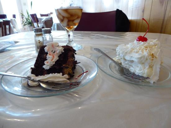 Clintwood, Вирджиния: German Chocolate Cake and Coconut Cream pie