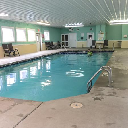 Land O' Lakes, WI: Swimming pool