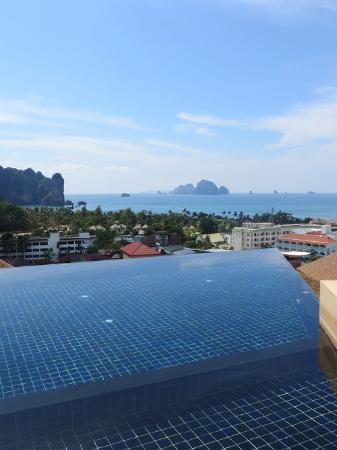 Aonang Cliff Beach Resort Infinity Pool
