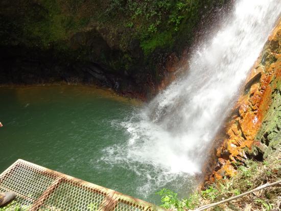 ปลายาเฮอร์โมซา, คอสตาริกา: make sure you jump off platform!