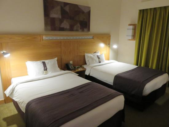 Holiday Inn Express Dubai Airport: Twin room