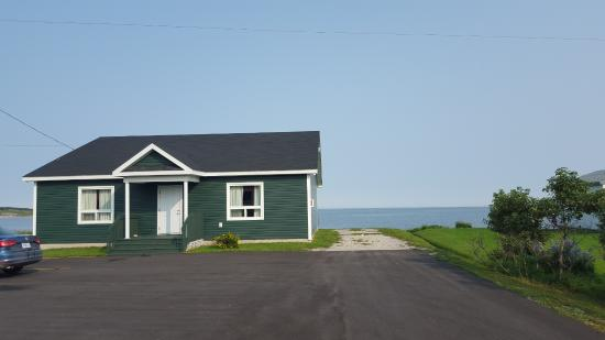 Shallow Bay Motel & Cabins: 5 suite guest house