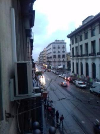 Bed and Breakfast Vesuvio Napoli : Вид из окна