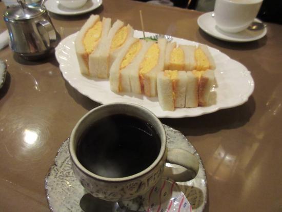 Kuji, Japonia: たまごサンドとコーヒー