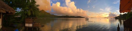 Faanui, Polinesia Francesa: View from deck